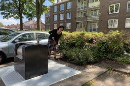 Gemeente Beverwijk plaatst groene tuintjes bij ondergrondse containers tegen bijplaatsen afval