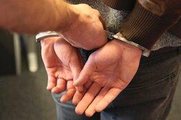 Man aangehouden voor bedreiging postbezorger en het lossen van schoten