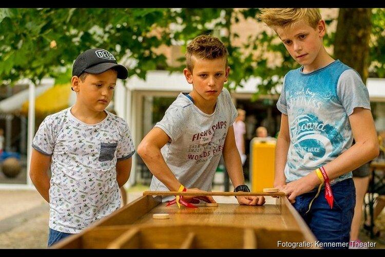 Zomerspektakel 'uitdaging' op het Kerkplein te Beverwijk