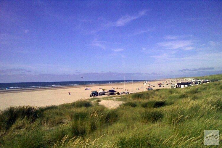Ook veel internationale aandacht voor Brexit-uitzwaaimoment op strand Wijk aan Zee