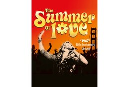 Tijdloze muziek met beeldmateriaal uit de hippietijd in het theater!