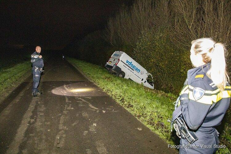 Gestolen bus met de neus in het water in Beverwijk