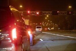 Velsertunnel bijna uur afgesloten vanwege lopende man