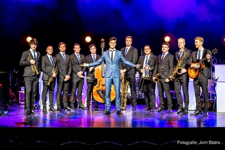 Winnaar 'The Voice' Dennis van Aarssen komt met bigband naar Beverwijk!
