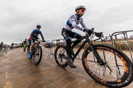 Topatleten klaar voor strijd tegen de elementen in Egmond