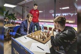 Schaakgrootmeesters spelen in Philips Stadion PSV