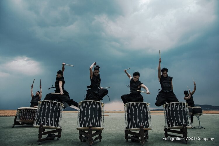 Koreaans drum- en dansspektakel TAGO in het Kennemer Theater