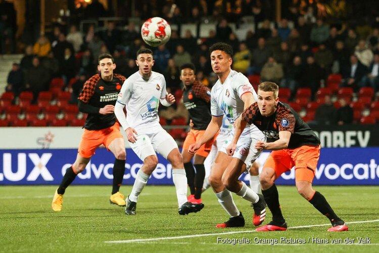 Jong PSV helpt Telstar aan zege