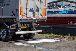 Handelskade Beverwijk afgezet vanwege lekkende aanhanger