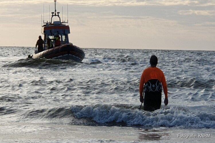 """Kitesurfers uit zee gered bij Wijk aan Zee: """"Wind draaide plotseling naar aflandig"""""""