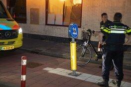 Fietsster gewond na botsing op paaltje in Beverwijk