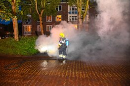 Geparkeerde auto in brand aan de Javastraat in Beverwijk
