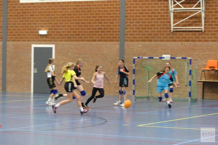 Athletic Skills Model (ASM) specialisten geven unieke handbalclinic aan jeugd van HCV'90