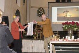 Gerda Duin presenteert 'Manuscript der kroonjuwelen'