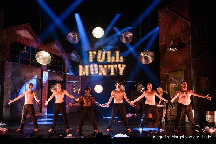 Uit nood geboren strip-act in swingende musical!