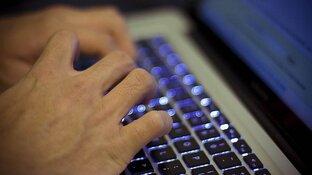 """Politie waarschuwt voor valse hackmails: """"Heb gezien hoe jij jezelf bevredigt"""""""