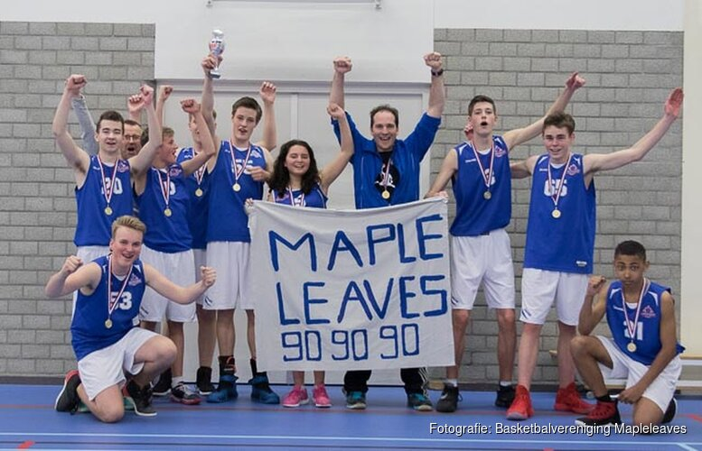 MAPLELEAVES U16-1 KAMPIOEN NA THRILLER