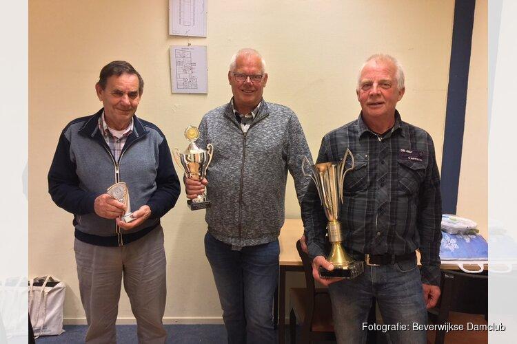 Drie Heemskerkse prijswinnaars bij de Beverwijkse Damclub