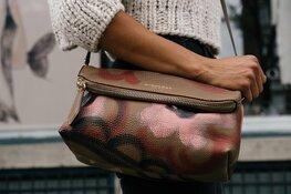Winkelend publiek wil dat tasjesrovers hard worden aangepakt