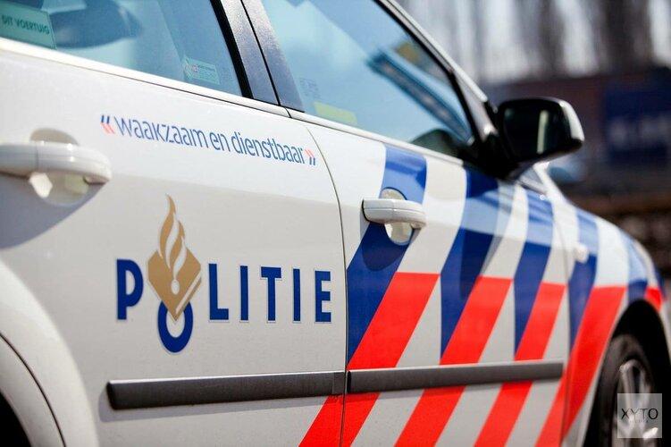 Man rijdt lantaarnpaal uit de grond in Beverwijk