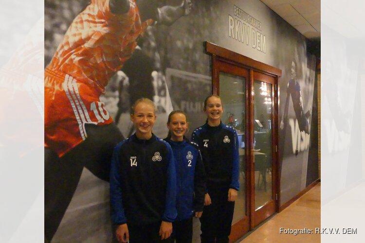 Roos, Jade en Kate zetten meidenvoetbal op de kaart bij R.K.V.V. DEM.
