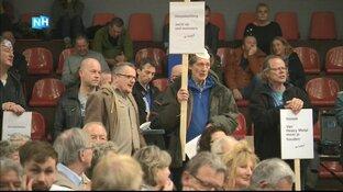 Wijk aan Zeeërs protesteren tegen Tata met jarenoud strijdlied