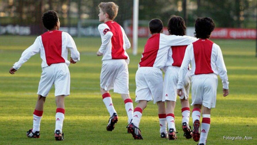 DEM jeugdspeler naar Ajax