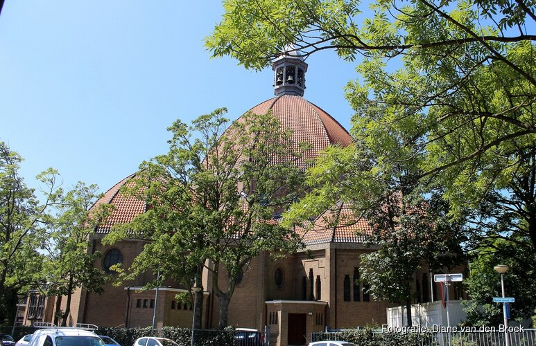 """Volle collectebus uit Beverwijkse kerk gestolen: """"Breng 'm terug, want je krijgt er spijt van"""""""