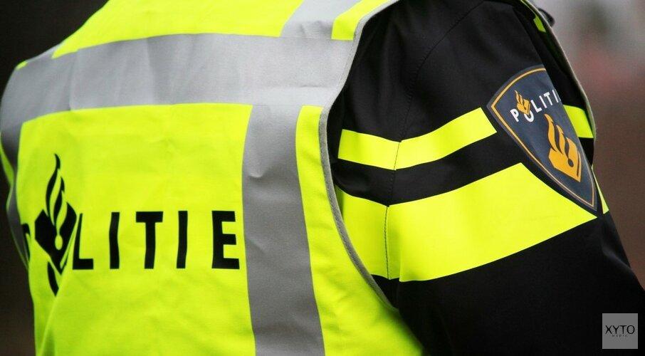 Agenten in kogelwerende vesten op zoek naar mogelijk gewapende man in Beverwijk